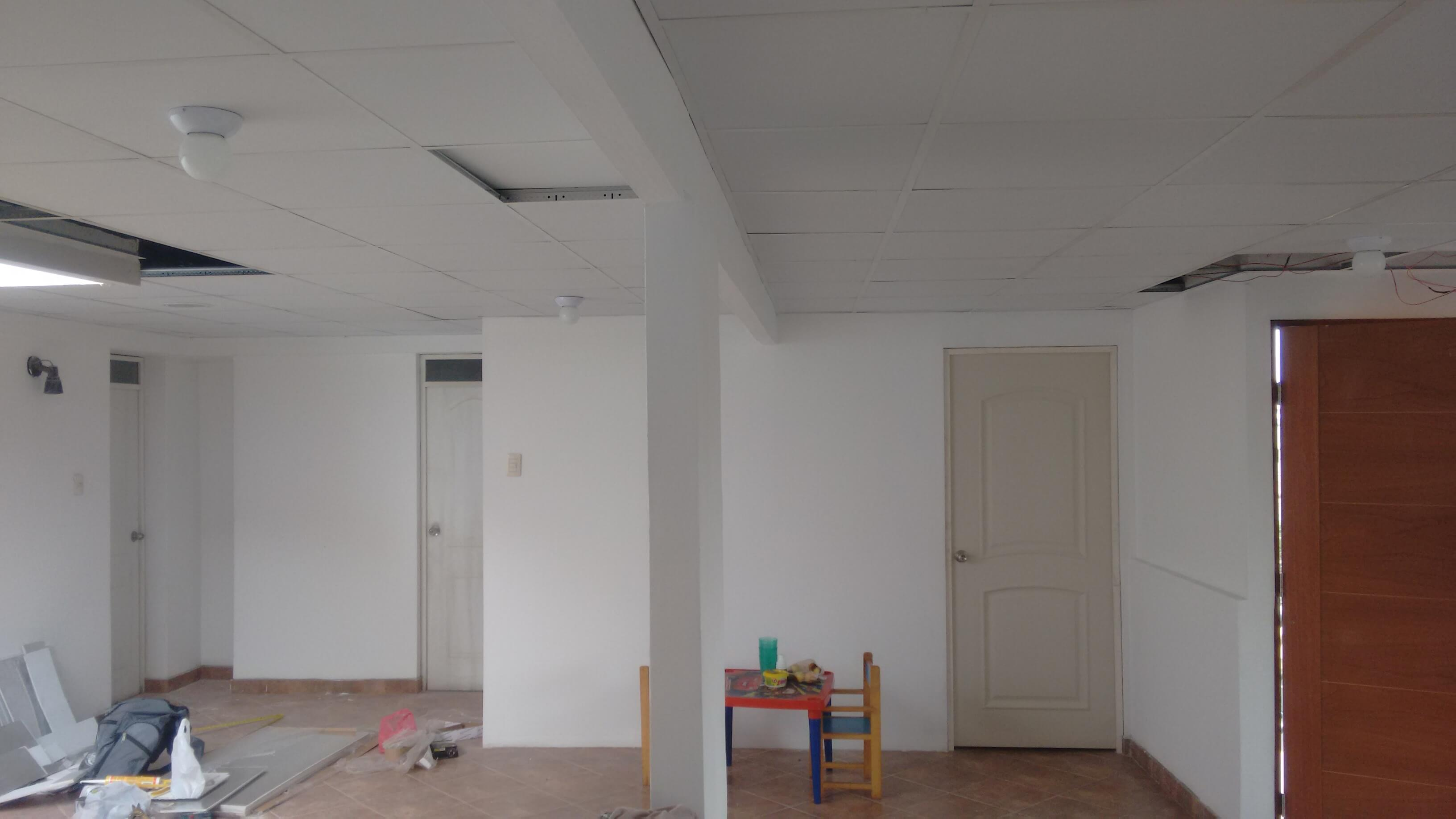 Cielo Raso Con Baldosas – Sistema Drywall